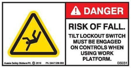 CRUSH RISK-TILT LOCKOUT MUST BE ENGAGED (Horizontal)