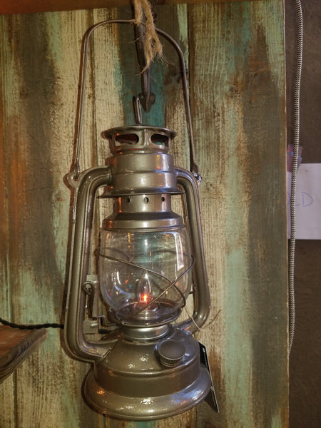 Kerosene lantern - Twisted Lighting
