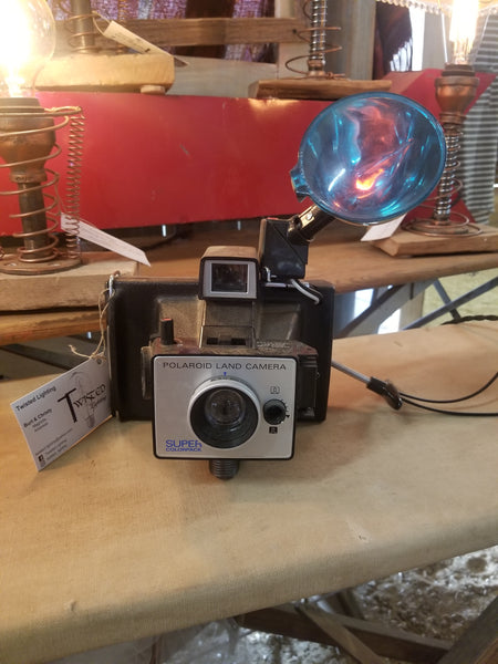 Camera : 1960's Polaroid color pack - Twisted Lighting