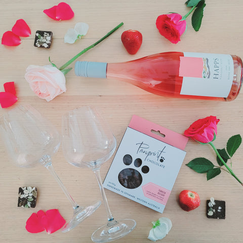 Valentine's Day Rosé and Chocolate Gift Pack