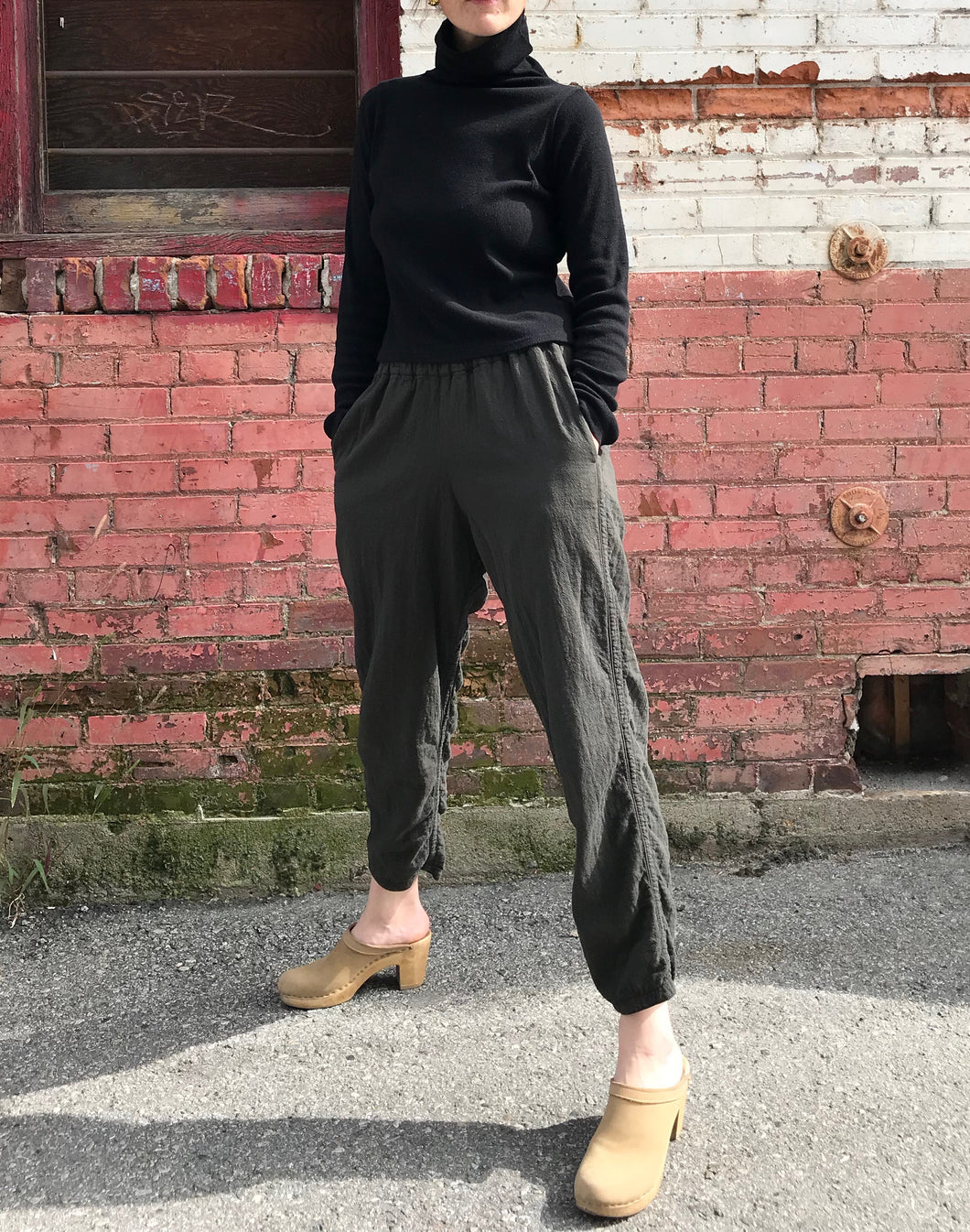 Black Crane Easy Pants / Dark Grey