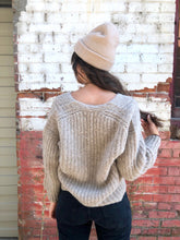 Bare Knitwear Layer V-Neck Sweater / Sand