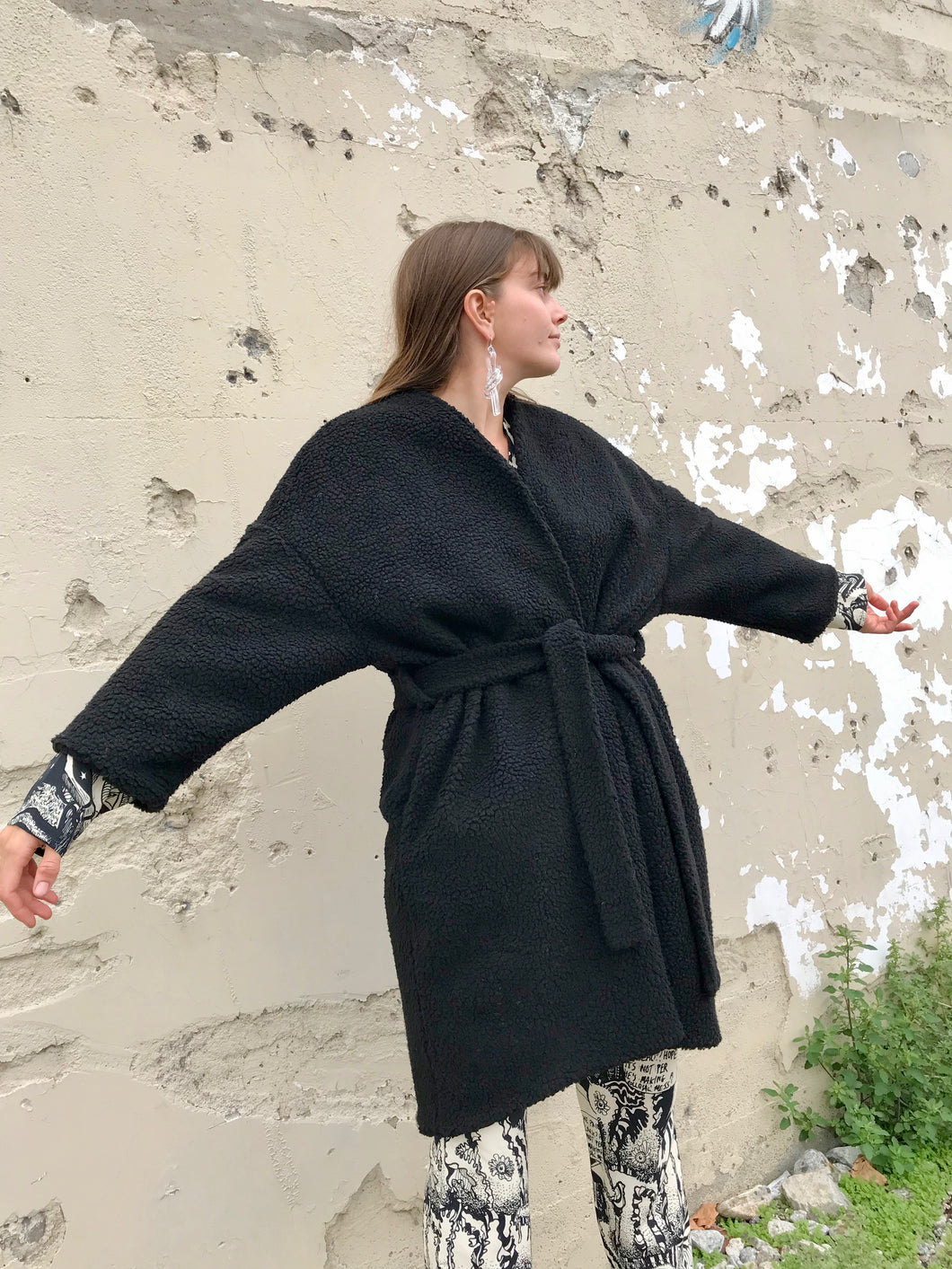 Priory Woobie Robe / Black Sherpa
