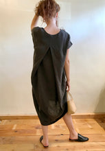 Black Crane Pleated Cocoon Dress / Charcoal