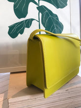 Baggu Small Structured Crossbody / Citron