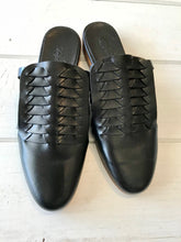 Atelier Delphine Minimalistic Shoes in Black