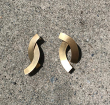 Fay Andrada Naru Earrings / Brass