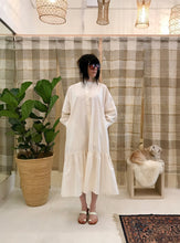Mr Larkin  Nadine Dress / Papertouch, Off White