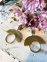 Ora C Cleopatra Earrings / Brass