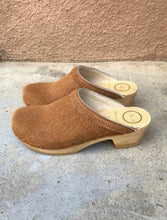 No.6 Old School Clog on Mid Heel in Caramel Pony