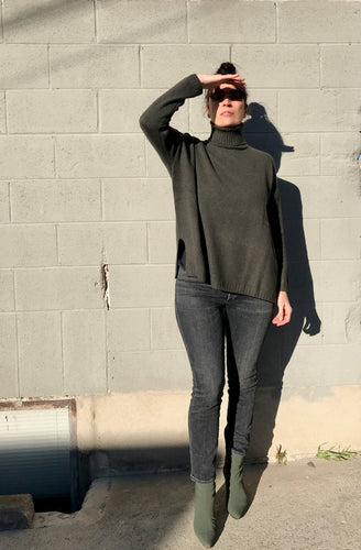 Pôles Georgette Turtleneck / Khaki and Black
