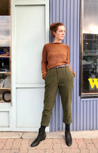 7115 by Szeki Wool Cropped Trousers / Olive