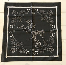 Carleen lucky bandana in black