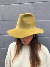 Clyde Short Brim Pinched Hat / Burnt Gold Angora Felt