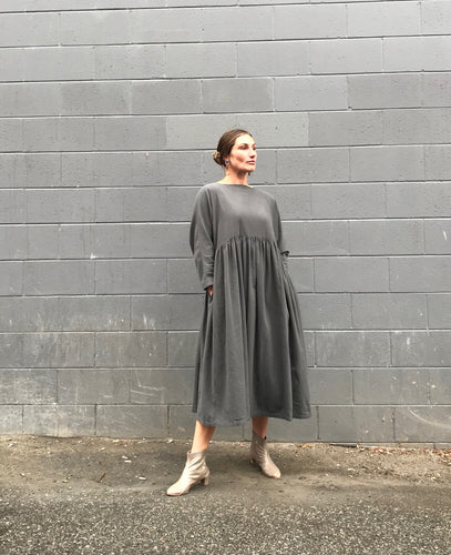 Black Crane Tradi Dress / Dark Grey