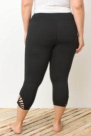 PLUS Webbed Strap Capri Leggings