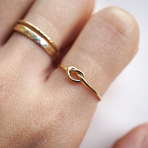 Basic Single Knot Ring - 14K Gold Filled