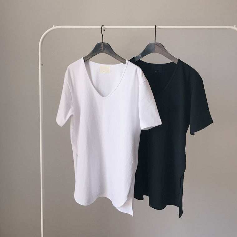 Must-have side split t-shirt