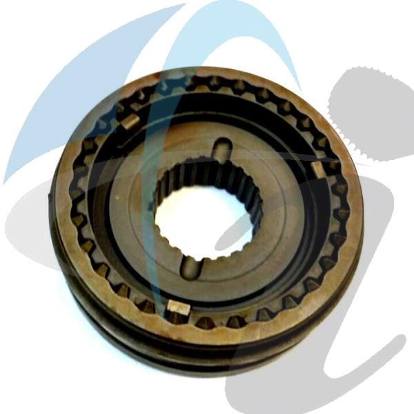 ISUZU 250 5TH HUB+SLEEVE