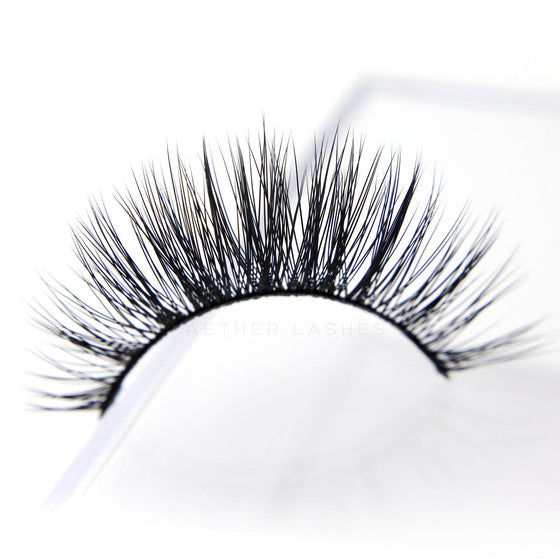 Premium Natural Lashes - FREYA