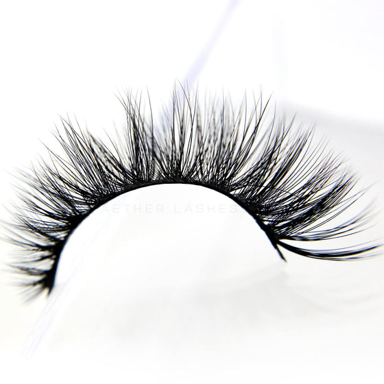 Signature Luxe Lashes - VELVET WINGS