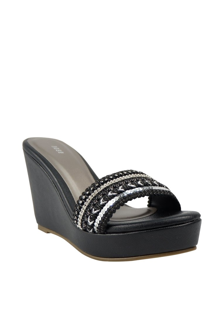 Beaded Wedge Slide - nose intl