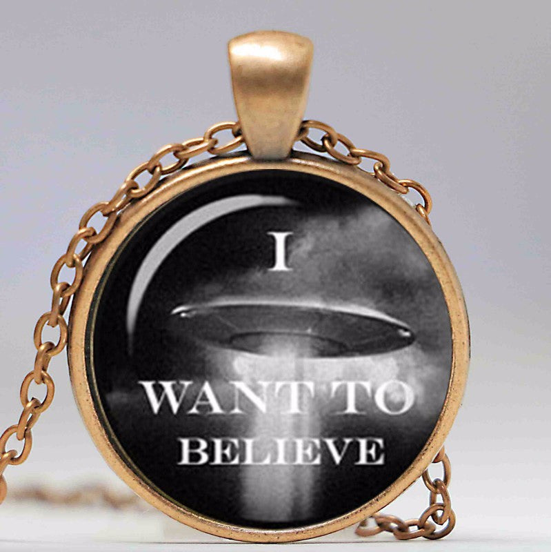 I Want To Believe - Aliens Cabochon Pendant/Necklace  in Velvet Pouch