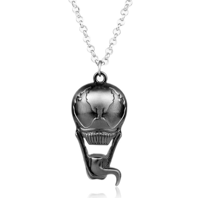 Trendy Horror Aliens V Predator Necklace/Pendant in Velvet Pouch