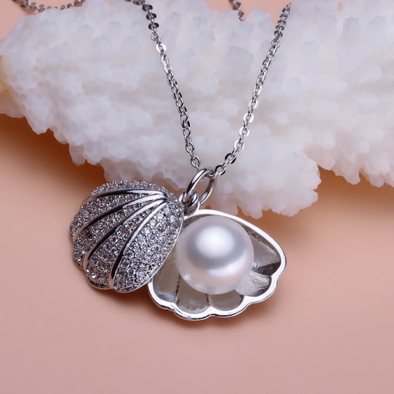 Pearl Shell Pendant Necklace / Earrings