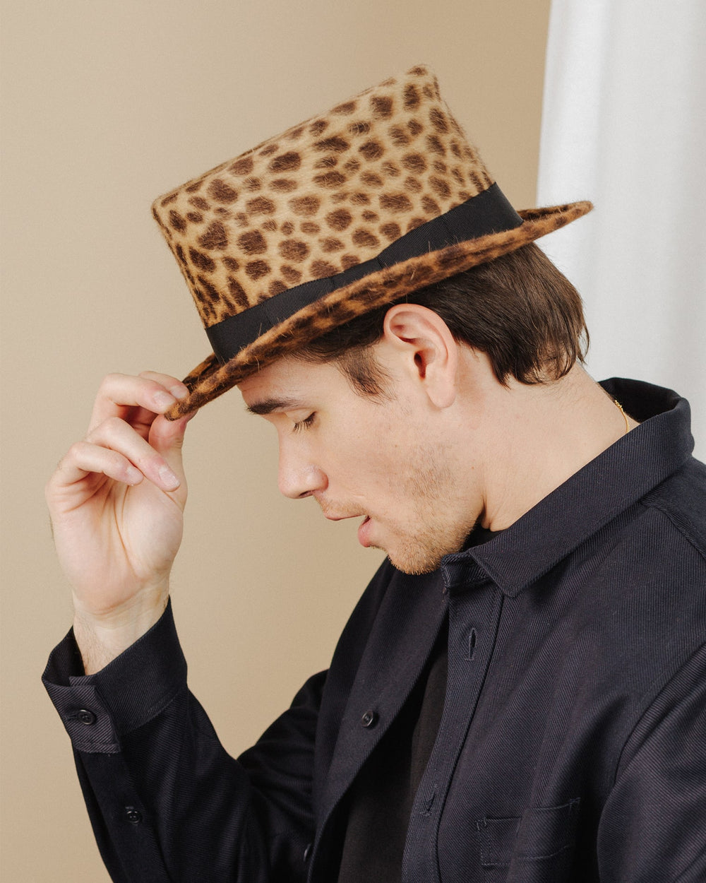 men wear leopard-print