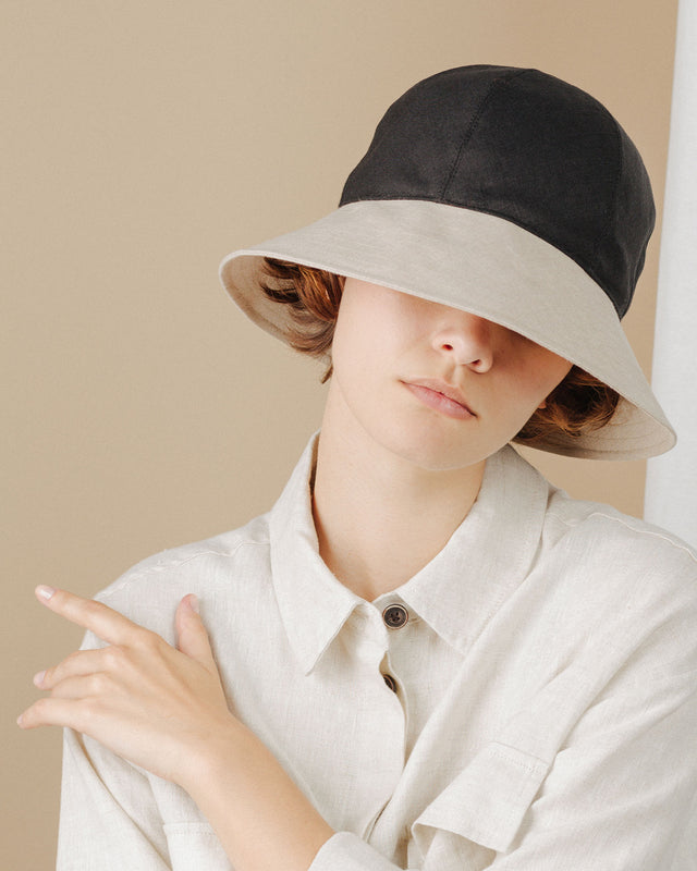 women wear sunhat