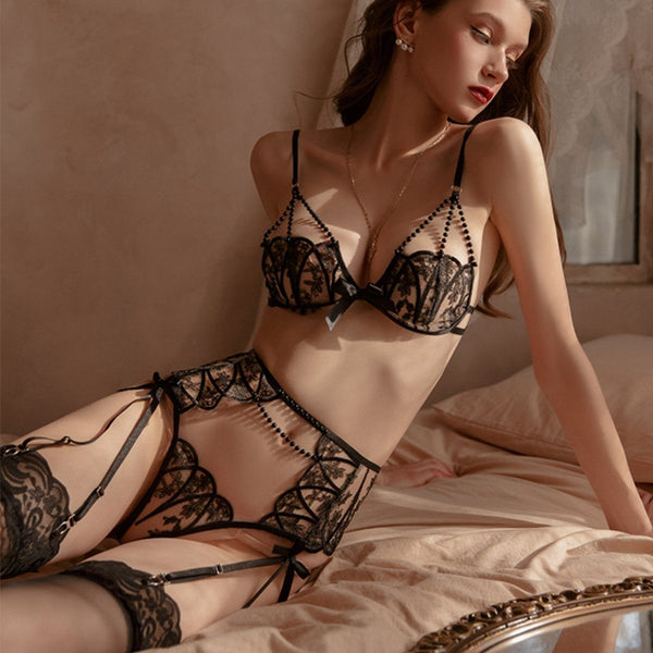 Hilde lace lingerie set Intimates LOVEFREYA