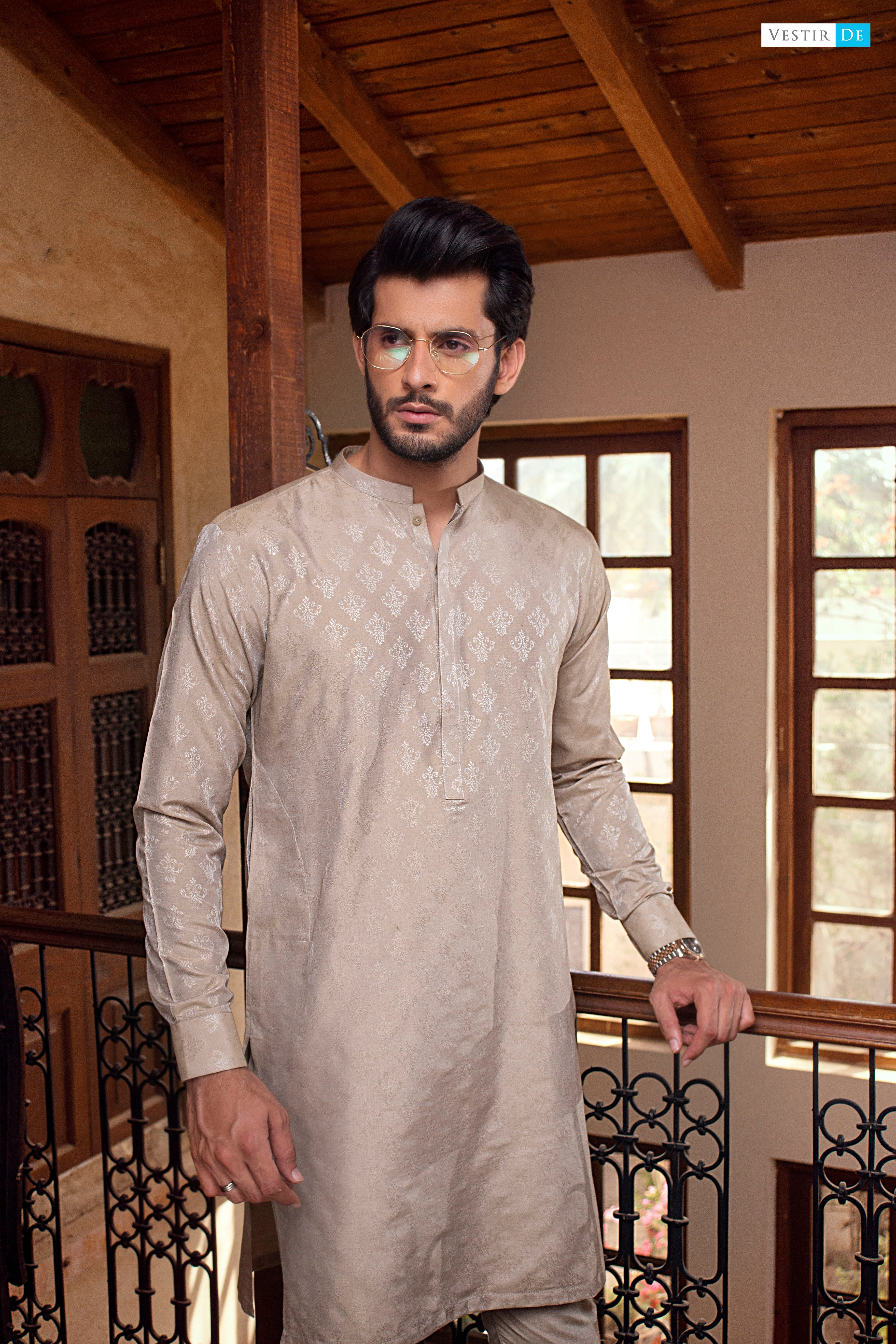 12 Jacquard Motive Kurta With Trouser