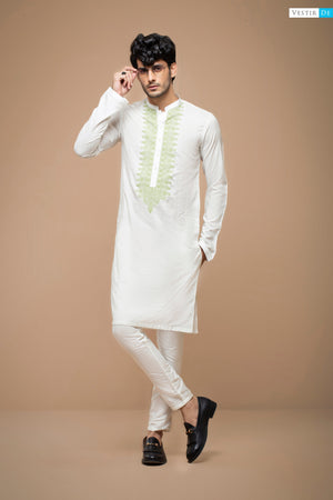 White Kurta With Amazon Embriodery - Vestir De