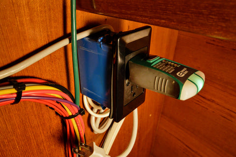 test ac outlet polarity on yacht