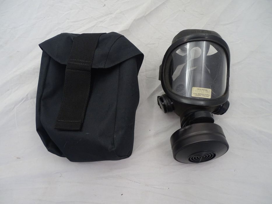 Pirelli 1980's Civil Defence Gas Mask Respirator & Filter Vintage Collectable