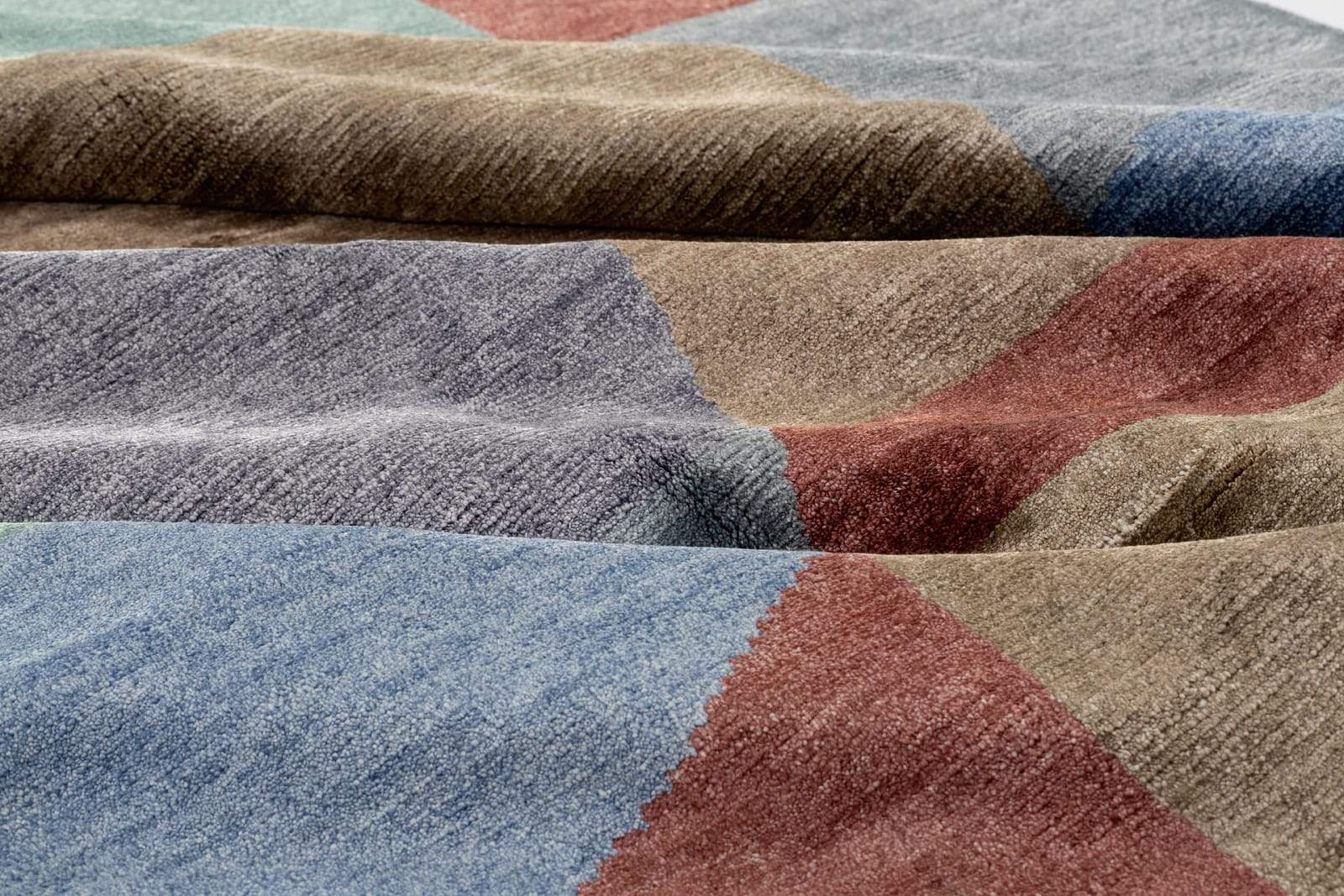 Detail shot of Delmonico Kona, a hand knotted rug by Tufenkian Artisan Carpets