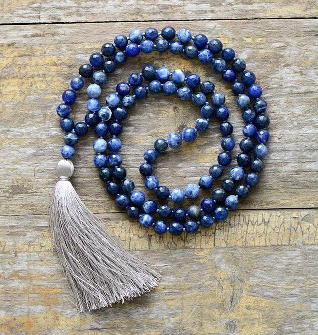 Why using mala beads during meditation is good for you?