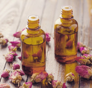 Essential Oils You Should Have In Your Summer Bag