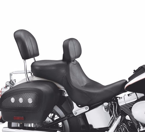 Signature Series Seat with Rider Backrest for Softail® Deluxe Models