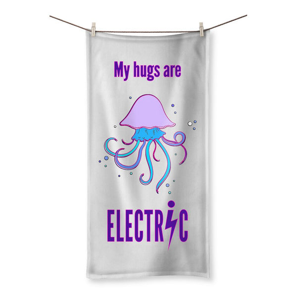 Electric hugs Beach Towel