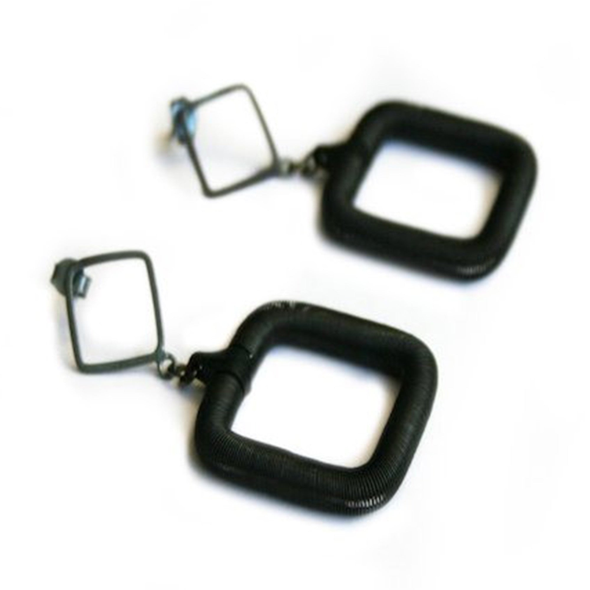 Hila Rawat Karni: Square Earrings