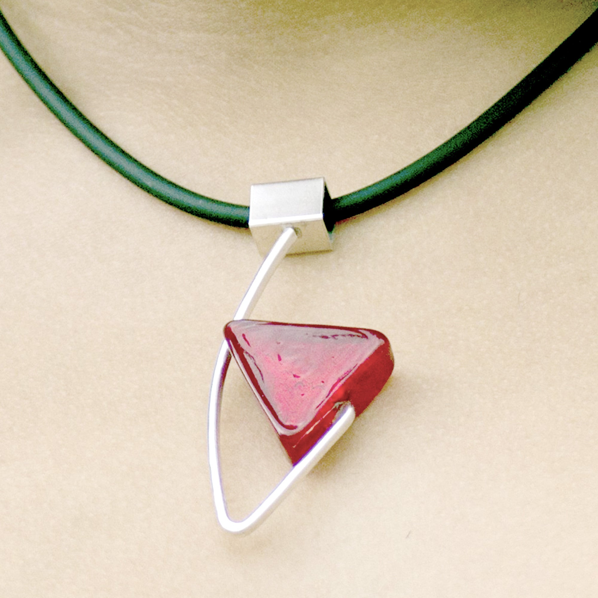 La Foglia D'Oro: Open Triangle Murano Glass & Silver Necklace - Red