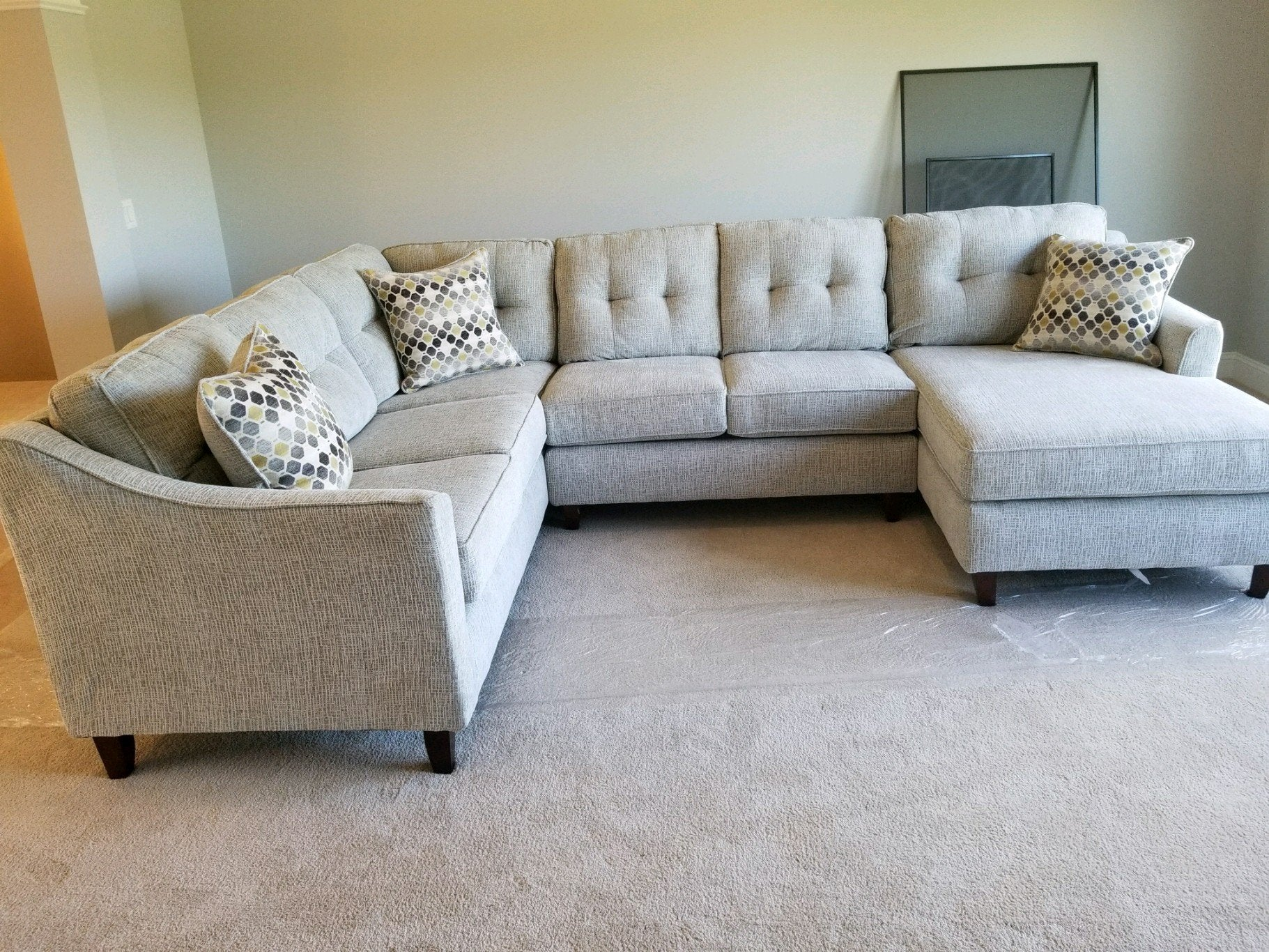 Superieur Sydney Cream Sectional Sofa Set