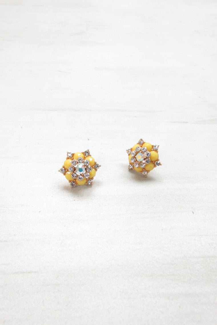 Floral post earrings - Yellow color