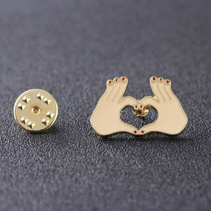 Skull Hand Heart Gesture Pins Badges Icon Backpack