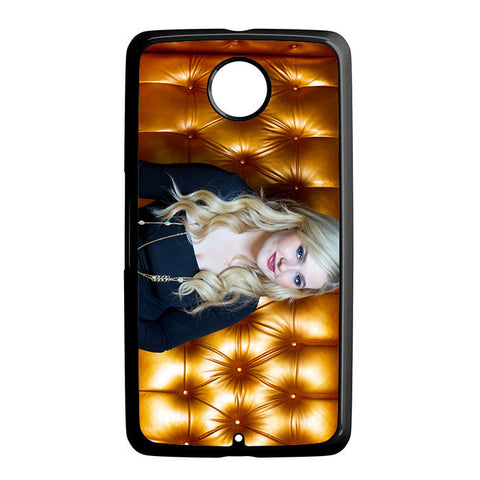 Abigail Breslin Gold Sofa Nexus 6 5 4 8 5X Case