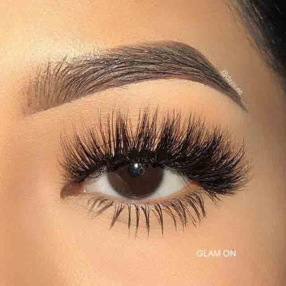 Glam On Eyelashes Swatch