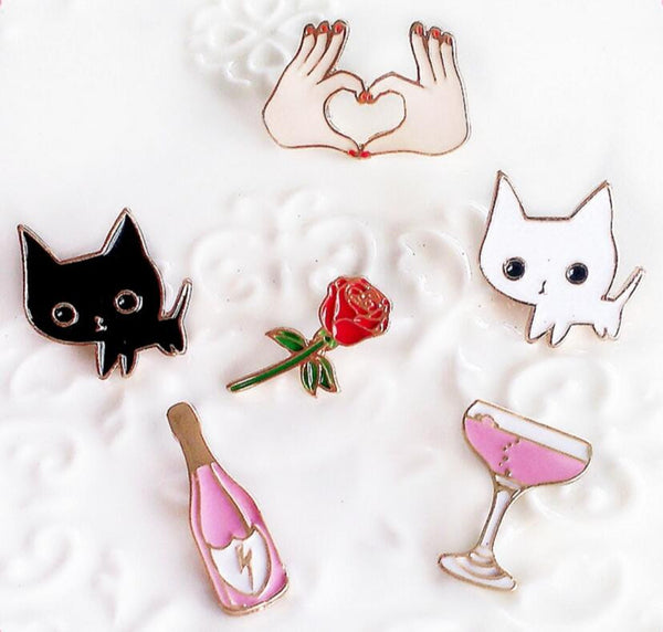 Very Cute Cartoon Cat Kitty Cocktail Brooch Pins