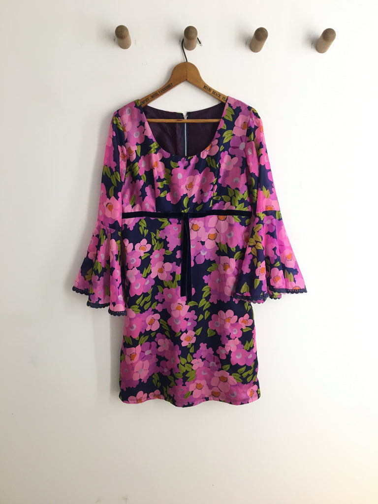 60's FLORAL DRESS WITH BELL SLEEVES / MEDIUM
